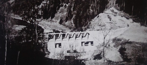 Viuldemningen under byggingen i 1957